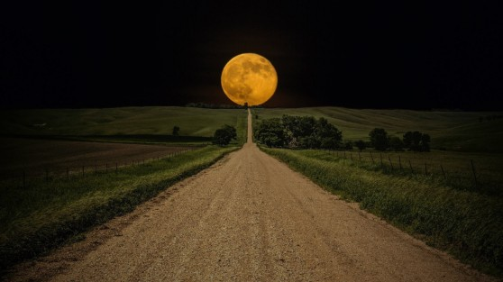 full-moon-horizon-road